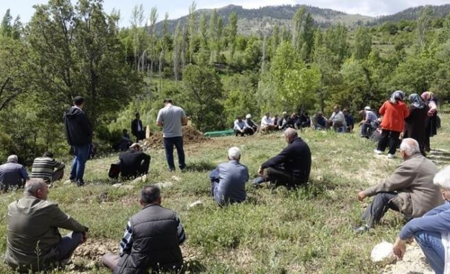 Darp Edilip Bıçaklanarak Öldürülen Şahıs Toprağa Verildi