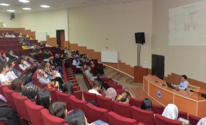 KMÜ'lü Öğrenciler CV Hazırlama Ve Mülakat Tekniklerini Öğrendi