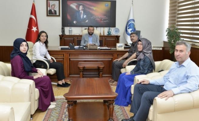 Rektör Akgül'den KMÜ Öğrenci Topluluklarına Tebrik