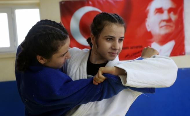 İkizlerin Rekabeti Judoda Başarıyı Getirdi