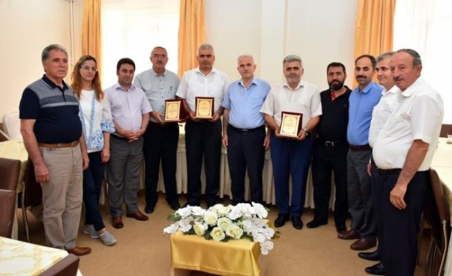 Milli Eğitimden Şube Müdürleri İle Maarif Müfettişine Veda Yemeği