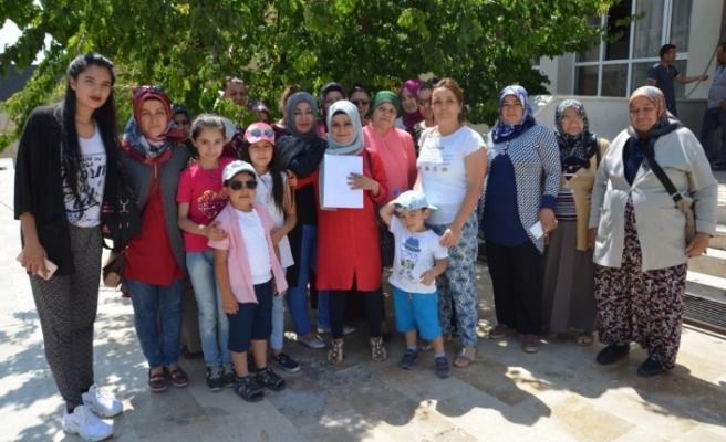 Karaman'da Bir Grup Kadın Çocuk İstismarı Ve Ölümlerine Karşı Tepkili
