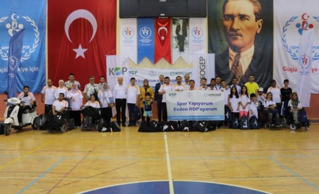 Karaman'da Dezavantajlı Bireylere Spor Malzemesi Dağıtıldı