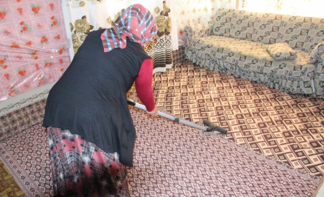 Kazımkarabekir'de Güzel Evim Temizlik Projesi Devam Ediyor