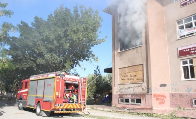Kullanılmayan Eski Hastane Ek Binasında Yangın Çıktı