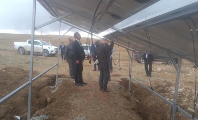 Ayrancı Kaymakamı Mehmet Göze Güneş Panellerini İnceledi