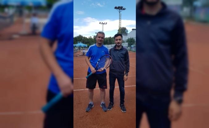 İşitme Engelliler Tenis Şampiyonası'nda İlimizde Türkiye Üçüncülüğü