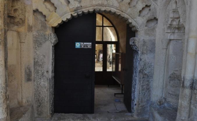 Ermenek Belediyesi Tarihi Ve Turistik Bölgeleri Qr Kodlu Tanıtıcı Tabela Koydu