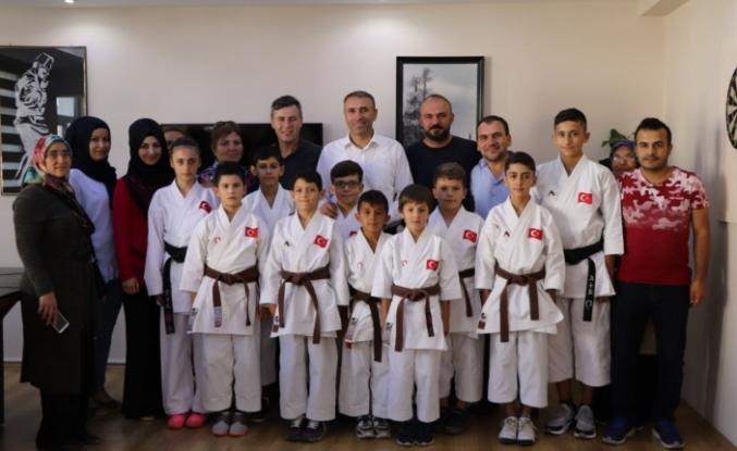 Karadeniz Ve Hazar Ülkeleri Karate Şampiyonası'na Karaman'dan 10 Sporcu