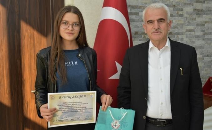 Genç Ressam, Bu Yıl Da Türkiye Birinciliğini Kimseye Kaptırmadı