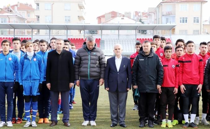 Okullar Arası Gençler Futbol Grup Müsabakaları İlimizin Ev Sahipliğinde Yapılıyor
