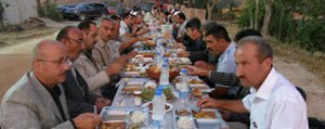 Baskan Samur`dan Meclis Üyeleri Ve Personele Iftar Yemegi