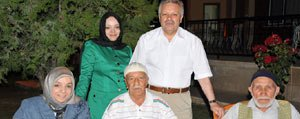 Kahraman Ailesi Devlet Konukevinde Huzurevi Sakinlerini Agirladi