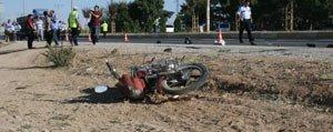 Cip Motosiklete Çarpti: 2 Kisi Yaralandi