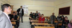 Karaman Anadolu Saglik Meslek Lisesi'nde Hasta Bakimi ve Yasli Refakatçi Kursu açildi.