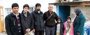 Afganistan'dan Gelen Mülteci Aile Karaman'da Sokakta Kaldi