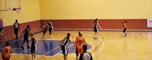 Basketbolcularimiz Izmir'den Puansiz Döndü