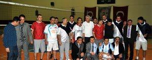 Voleybol Turnuvasinin Kazanani Dostluk Oldu
