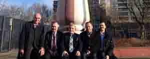 Milletvekili Mevlüt Akgün Misafir Isçi Anitini Ziyaret Etti