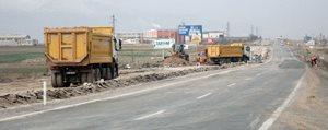 Konya-Karaman Bölünmüs Yolda Sicak Asfalt Çalismalari Basladi