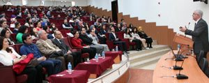 Kmü'de Yerel Yönetimler Konusuldu
