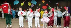 KMÜ'de Minikler 23 Nisan'i Kutladi