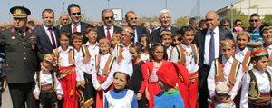 23 Nisan Ulusal Egemenlik Ve Çocuk Bayrami Coskuyla Kutlandi
