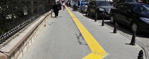 Karaman'da Görme Engelliler Için Yürüme Yollari Yapiliyor