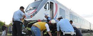 Karaman'a Gelen Tren Otomobili Biçti: 2 Ölü