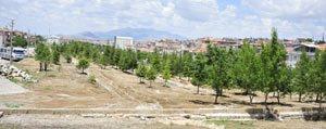 Karaman Belediyesi`nden Yesil Alan Çalismasi