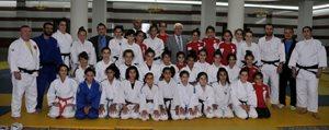 Vali Koca Yildizlar Judo Milli Takimini Ziyaret Etti