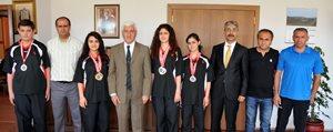 Isitme Engelliler Spor Kulübü'nden Vali Koca'ya Ziyaret