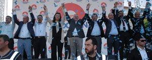 Bakan Davutoglu Ve Elvan Karaman'da Erdogan'a Destek Istedi