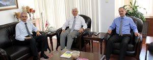 Bekir Karacabey` Den Vali Koca'ya Nezaket Ziyareti