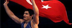 KMÜ'lü Taha Akgül'ün Dünya Sampiyonlugu Yüzleri Güldürdü