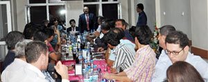 Sariveliler Belediyesi`nden Kaymakam Ilhan'a Veda Yemegi