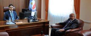 Baskan Samur'dan Kaymakam Öner'e Hayirli Olsun Ziyareti