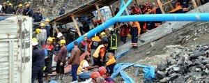 Isçiler Madende Ögle Yemegi Esnasinda Mahsur Kaldilar