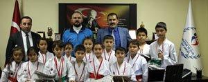 Sampiyon Karatecilerden Kisacik'a Ziyaret