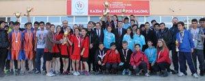 Genç Atletler Okullari Için Kostu