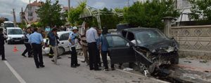 Karaman`da Iki Otomobil Çarpisti: 5 Yarali