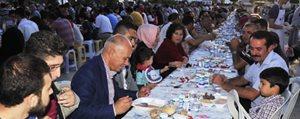 Ramazan ayinin Iftar Sofrasi Toki Sakinlerini Bulusturdu