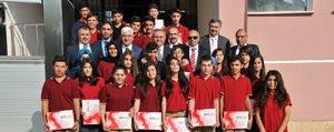 Ilimizde 21 Okulda 2 Bin 600 Tablet Ögrencilerle Bulustu