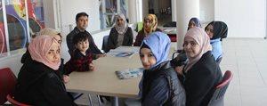 Gençlik Merkezi, Suriyeli Ve Irakli Gençlere Türkçe Ögretiyor