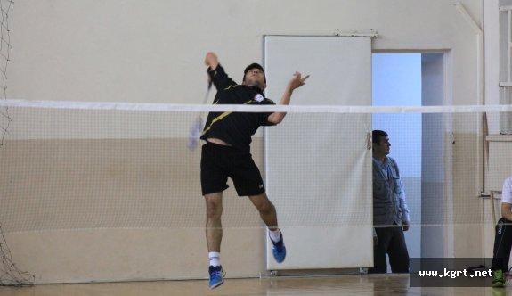 19 Yaş Altı Ferdi Badminton Müsabakaları Sona Erdi