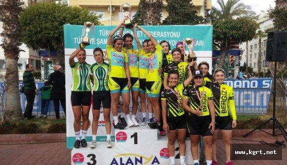 Karaman Bisiklet Takımı Alanya'da Tarih Yazdı