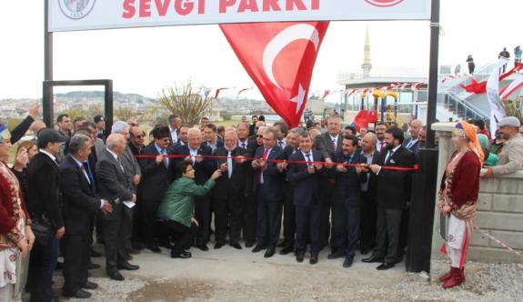 """""""Musa Eroğlu Sevgi Parkı"""" Açıldı"""