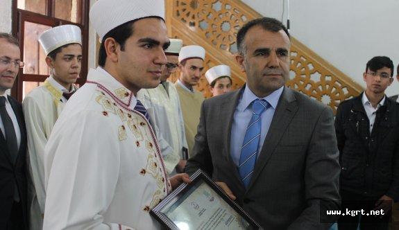 Genç Hatipler Türkiye Vizesini Almak İçin Yarıştılar