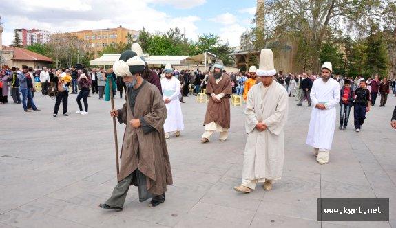 Hz. Mevlâna'yı Konya'ya Uğurluyoruz