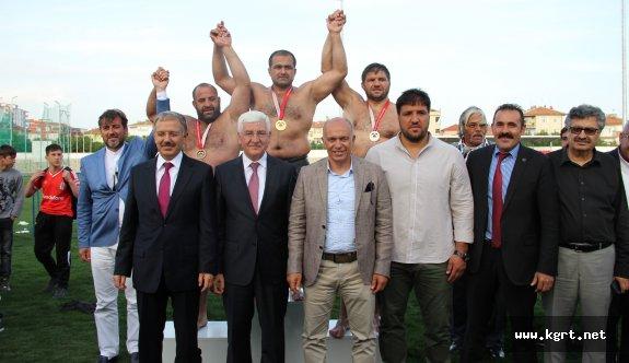 Pehlivanlar, 1. Türk Dili Ve Yunus Emre Yağlı Güreşleri İçin İndi Meydana